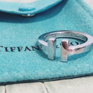 "Tiffany & Co ""T"" Ring in 18K White GOLD"